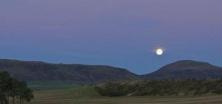 luna-piena-tramonto
